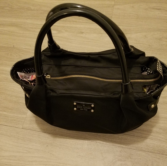 kate spade Handbags - KATE SPADE NEW YORK HAND BAG